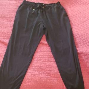 Cropped drawstring waist pant